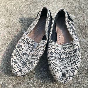 Toms tribal print slip on shoes